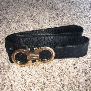 Rare Salvatore Ferragamo Black Horseshoe Belt 46""